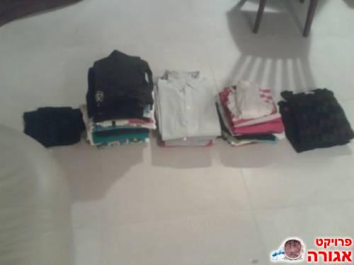 חולצות רבות
