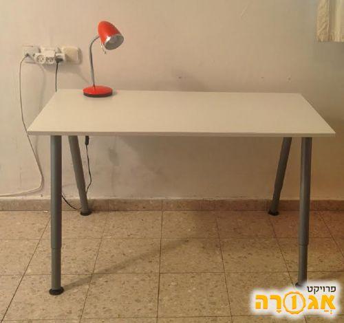 שולחן כתיבה כמו חדש