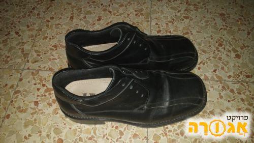 נעליים דמוי עור