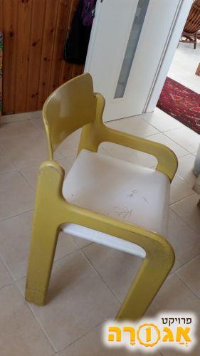 4 כסאות לפינת אוכל