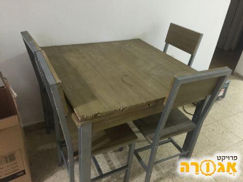 שולחן +4 כסאות
