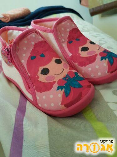 נעלי בית חדשות