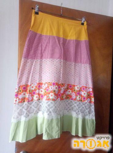 חצאית מידה M