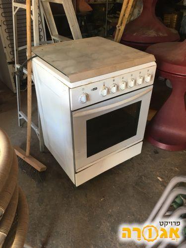 תנור אפייה עם כיריים גז