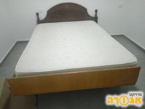 מיטה זוגית ומזרן