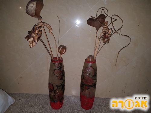 אגרטלים עם פרחים