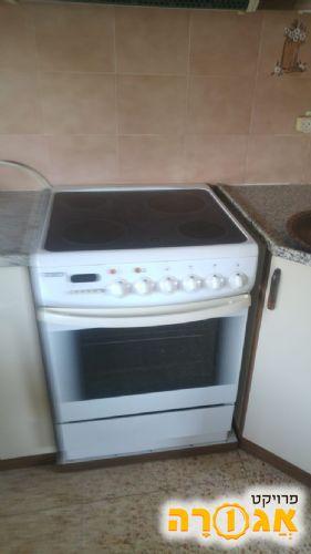 תנור אפייה עם כיריים חשמליות