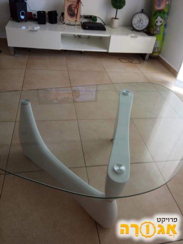 שולחן סלון ומזנון