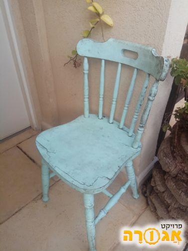 כסא ישן