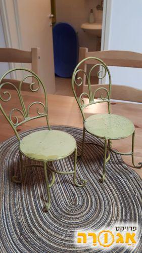 זוג כסאות מיניאטורי לבית בובות
