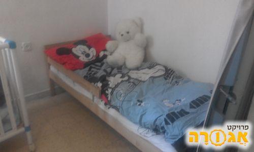 מיטת יחיד של איקאה