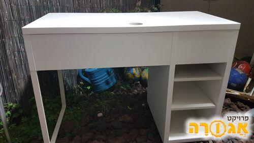שולחן כתיבה + מגירות ואכסון