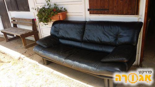 ספה מאור צבע שחור