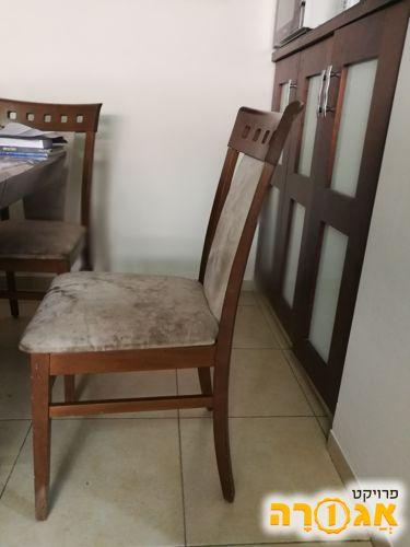 8 כסאות. מטבח מעץ מלא