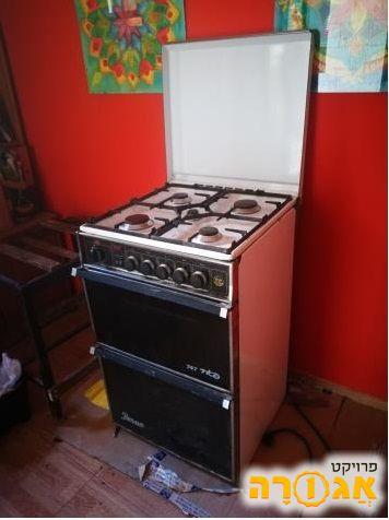 תנור אפיה עם כיריים