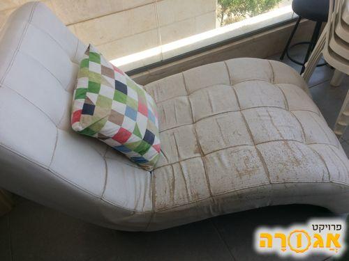 כורסא לבנה