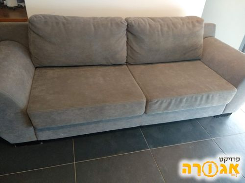ספה תלת מושבית + כורסא