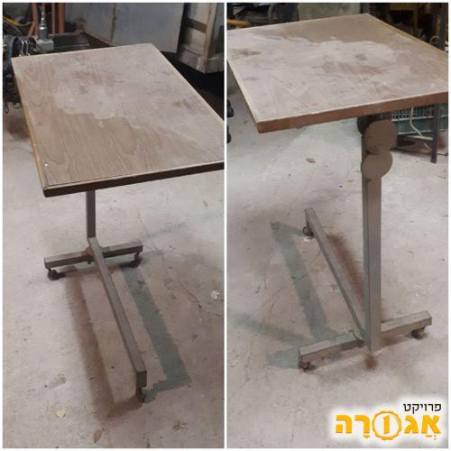 שולחן ישן . במקור היה שולחן למכונת תפירה