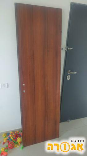 דלת מחסן - דלתות תבור