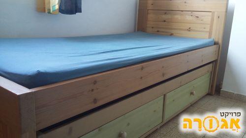 מיטת ילדים-נוער נפתחת במצב מצוין