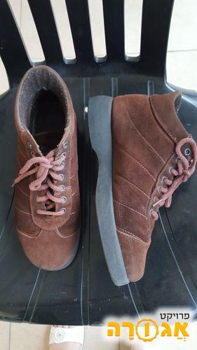 נעלים זמש גבוהות לאישה מידה 40