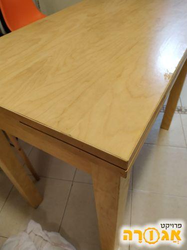 שולחן איקאה נפתח