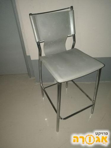 3 כסאות בר