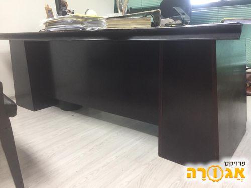 שולחן משרדי מפואר