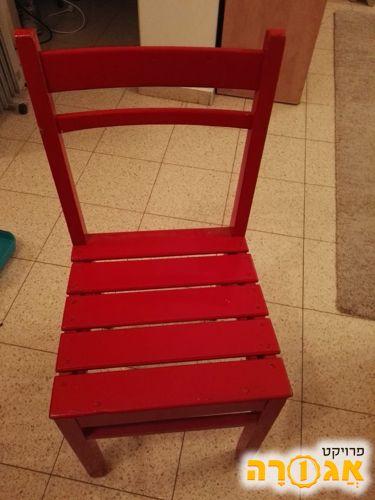 3 כיסאות