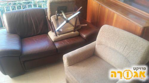 ספה דו מושבית מצבה טוב, ללא קרעים וכו