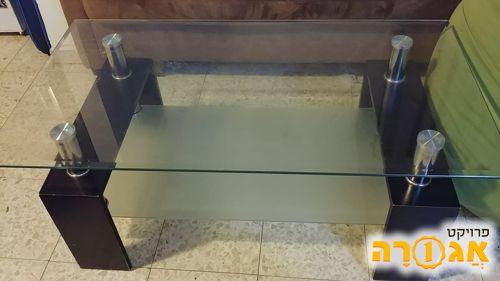 שולחן סלון מעץ וזכוכית