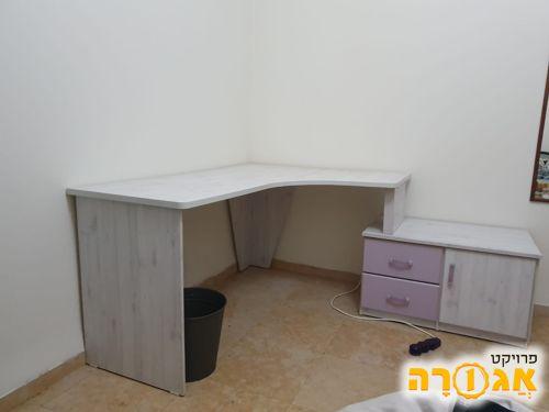 שולחן עבודה פינתי לחדר ילדים / נוער