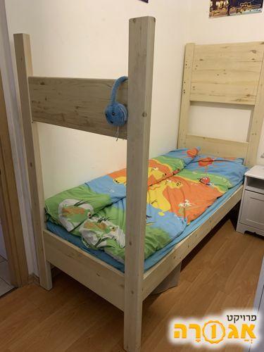 מיטה מעצמ'לה - חלק תחתון של מיטת קומותים