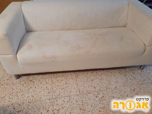 ספה של איקאה ללא כיסוי