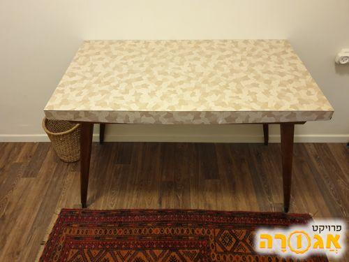 שולחן וינטג'