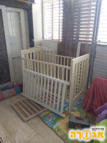 מיטת תינוק לא שלמה