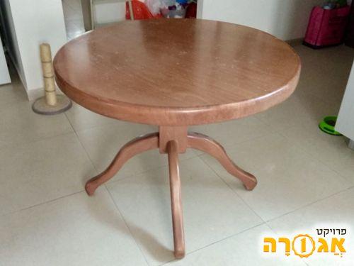 שולחן עץ עגול על רגלית