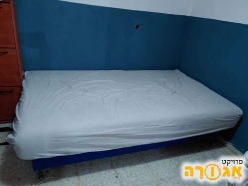 מיטה וחצי+ארגז מצעים