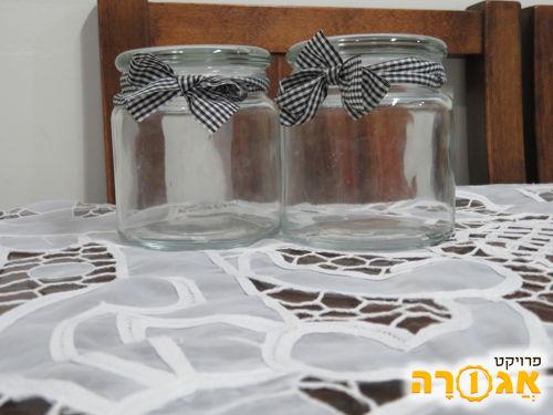 זוג צנצנות זכוכית חדשות