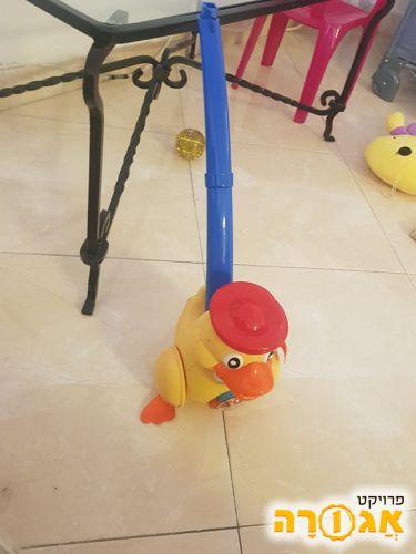 ברווז צעצוע הליכה לילד