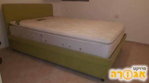 מיטה זוגית רוחב:200 , גובה: 40 , עומק: 1.40