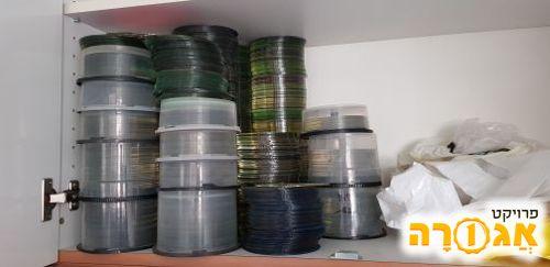 כמות גדולה של דיסקים צרובים