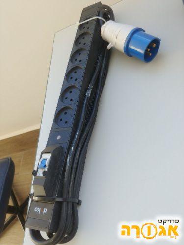 פס מפצל חשמל עם תקע חשמל גדול