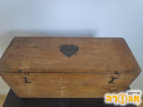 קופסא מעץ