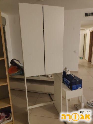 ארון מעל מכונת כביסה