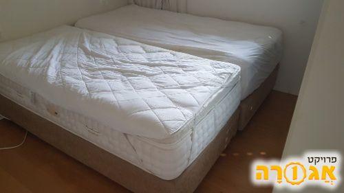 2 מיטות יחיד כולל מזרנים איכותיים