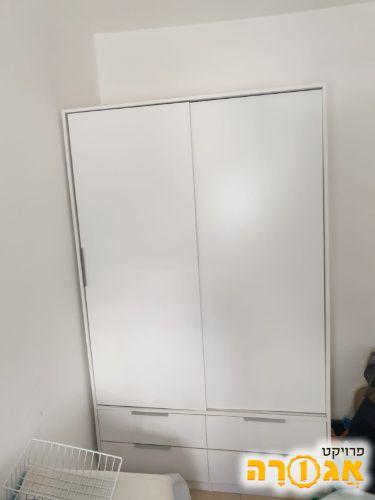 ארון הזזה לבן, שתי דלתות