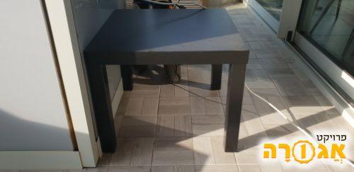 שולחן איקאה שחור