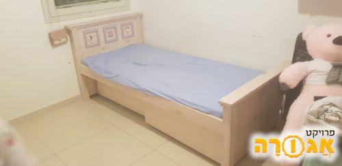 מיטת נוער יחיד