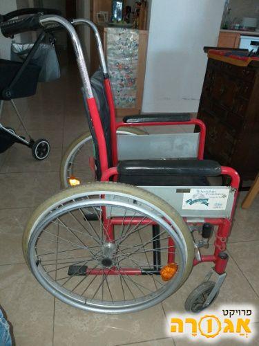 כסא גלגלים מתאים לאדם קטן מימדים